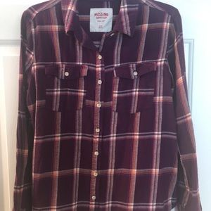 Women's/Junior's flannel shirt